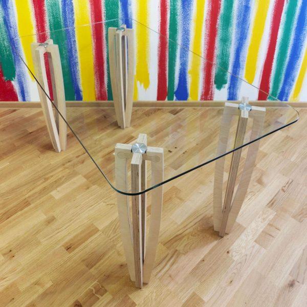 Стол Sedoviko TDS2, 1400x800x760 мм, березовая фанера, закаленное 10-мм стекло, лак на водной основе. https://sedoviko.ru/table2/