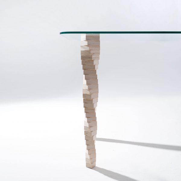Стол Sedoviko TDS5, 1400x800x760, береза, закаленное стекло, итальянский лак. https://sedoviko.ru/table5/
